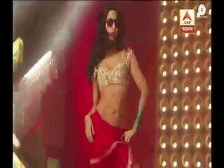 Here Katrina Kaif and Sidharth Malhotra enjoying 'Kala Chasma Song' during shooting