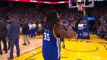 Basket, un fan fait un tir du milieu de terrain pendant un temps mort et rafle 5 000 dollars