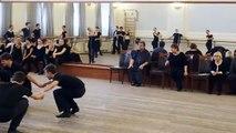 La légendaire danse traditionnelle russe : les coulisses dévoilent toute l'habileté et l'élégance des danseurs