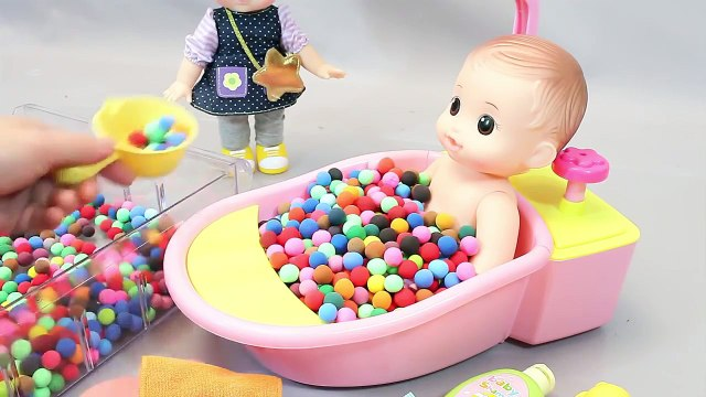 Mundial de Juguetes & Baby Doll Bath Time in Colours Play Doh Dots Surprise Eggs Toys