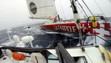 J48 : Eric Bellion et Alan Roura naviguent bord à bord / Vendée Globe