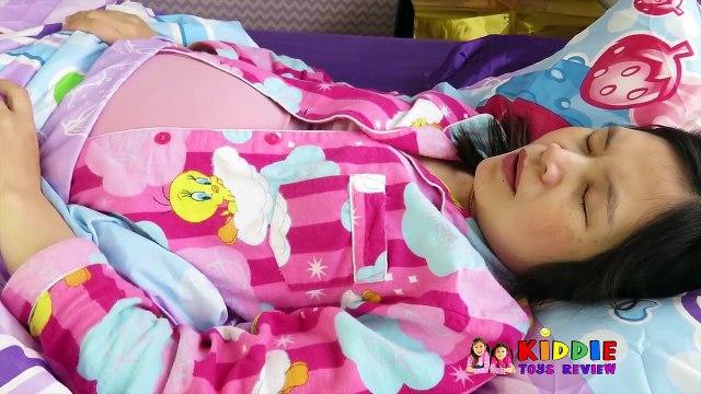 Doc McStuffins Farting Mommy Tummy Ache Checkup, Doc McStuffins Gives Fart Mommy a Needle & Checkup