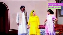 Garam Thumkay } Desi Bachi Hot Jokes _ Punjabi Pakistani Stage Drama 2016-nHo3EBb9aWc
