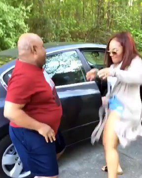 Davidos S xy Cousin Shakes Massive Bum As She Rocks Her Dad in a Dance