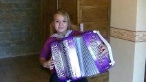 Cette jeune virtuose de l'accordéon est vraiment époustouflante !