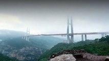 Chine : le plus haut pont du monde est ouvert à la circulation