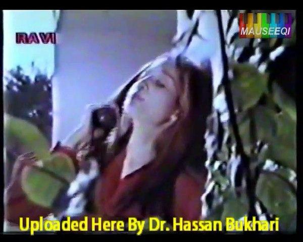 Mausam Hay Suhana - Aaj Aur Abhi - Track 17 of DvD A.Nayyar Duets with Original Audio Video