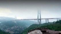 Le pont le plus haut du monde ouvert à la circulation en Chine