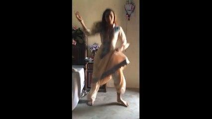Mast Punjabi Hot Garl hom dans دیکھیں