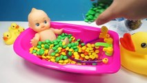 Learn Colors Baby Doll Bath Time M&M's Chocolate Candy How to Bath Baby Videos Kids Pretend Play
