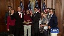 Il lâche un dab pendant que son père prête serment à son investiture au Congrès américain