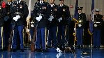 Un soldat s'évanouit pendant le discours d'adieu aux armées d'Obama