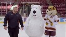 Un homme déguisé en ours polaire n'arrête pas de chuter pendant le tournage d'une pub !