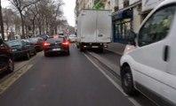 La preuve qu'il est impossible pour un cycliste de rouler des les pistes cyclables à Paris !
