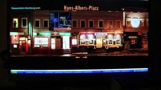 Witzig, Hans-Albers-Platz in Hamburg Reeperbahn-IIVcfWtQ1hc
