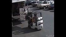 Regardez le reflexe surhumain de cet homme pour sauver un fut de bière