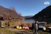 Bergamo, cede il ghiaccio: uomo finisce nel lago d'Endine