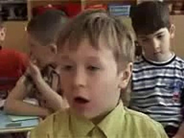 Приколы с детьми Веселый мальчик говорит на вопрос   Кт