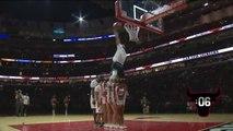 Un concours de dunks à la mi-temps d'un match de NBA