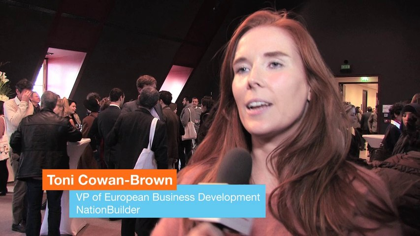 """« Le numérique va faciliter les pratiques traditionnelles de la politique"""" Toni Cowan-Brown"""