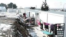 Les migrants frappés par la vague de froid dans les camps