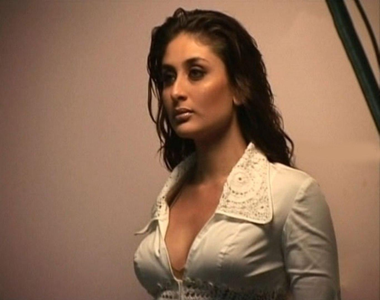 Kareena Kapoor Hot Sizzling Look - Bakchod Kutta