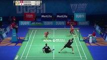 Échange rythmé lors d'un match de badminton