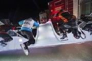 Adrénaline - Tous sports : Dévalez la piste de glace du Red Bull Crashed Ice de Marseille en caméra embarquée