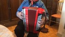 L' pèr'Gérard fête ses 90 ans derrière l'accordéon