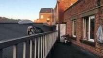 """Huy: une chèvre bloquée sur le toit de """"Huy Meubles"""""""