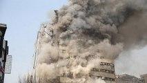 İranda 17 katlı bina çöktü  En az 35 itfaiyeci öldü