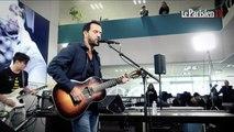 Gérald de Palmas chante  en live au Parisien