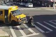 Un bus scolaire renverse une femme au passage-piétons !