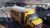Une femme se fait écraser par un bus scolaire au passage-piétons !