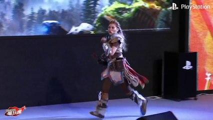 PlayStation Asia President Hiroyuki Oda in Horizon Zero Dawn Cosplay  de Horizon Zero Dawn