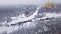 Italie : cinq survivants toujours bloqués dans l'hôtel enseveli par la neige