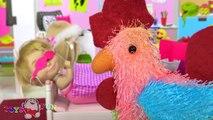 Maşa ile Koca Ayı Türkçe oyuncak hikayesi - Maşa sabah rutini Maşa çizgi film bebeği banyoda markete