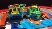Car Toys for Kids - Fast Lane Color Change Car Wash Playset - Hot Wheels Color Changer Color Shifter