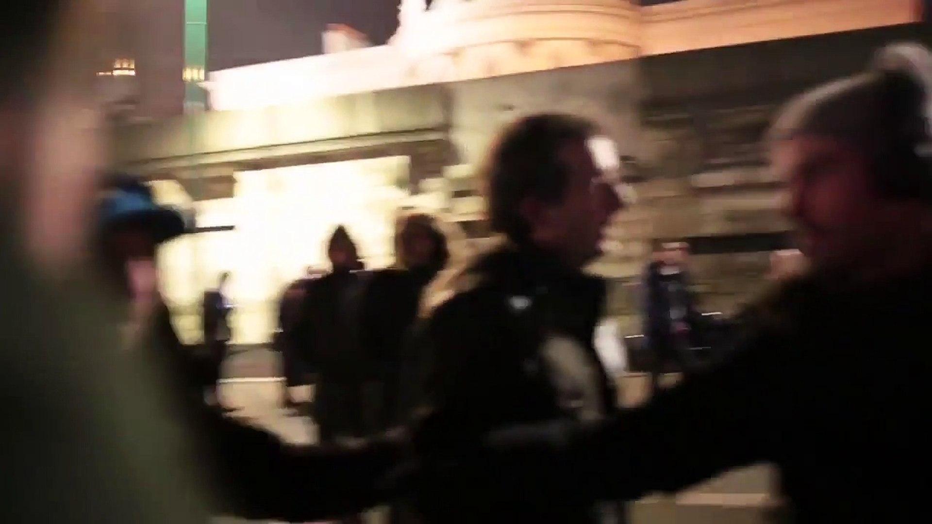Clash entre Cyrille Eldin et l'équipe de Quotidien près du QG de Benoît Hamon