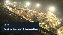 Dix-neuf immeubles partent en fumée dans un explosion contrôlée en Chine