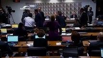 Senadores se desentendem durante sessão da Comissão do Impeachment