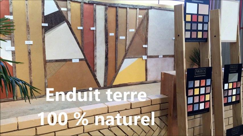 #Décoration murale en #enduit terre à base d'argile de #Vendée, 100 % naturel, se marie parfaitement avec l'enduit pierre.