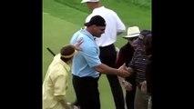 Il faut pas embeter le catcheur Bill Goldberg quand il joue au golf