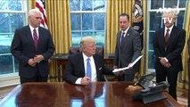 Trump firma retiro de EEUU del tratado de comercio TPP