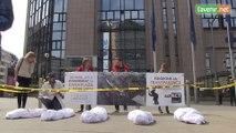 Scène de crime sous les fenêtres de la Comission européenne : ces marques de vêtements qui ne sont toujours pas transparentes
