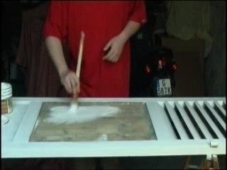 Visionnez les Cours Vidéo de Pr�parer une surface de bois avant de la peindre