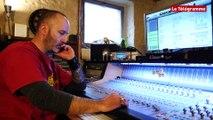 Near Deaf Experience. Un studio d'enregistrement chez Renan Luce