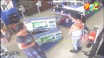 the Magic dress Steals A Plasma TV In 1 Seconds CCTV - Women thief caught while stealing Tv in a shop