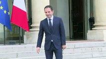 Hamon, reçu par Hollande, n'y voit pas «un passage de témoin»