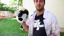 Exploser des ballons de foot et foot US en slowmotion